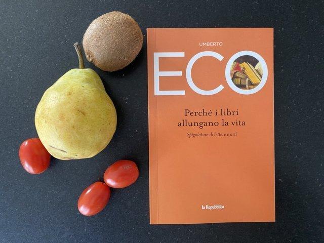 Perchè i libri allungano la vita di Umberto Eco