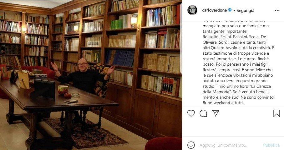 Carlo Verdone, la scrivania dove ha scritto La carezza della memoria, Foto da instagram